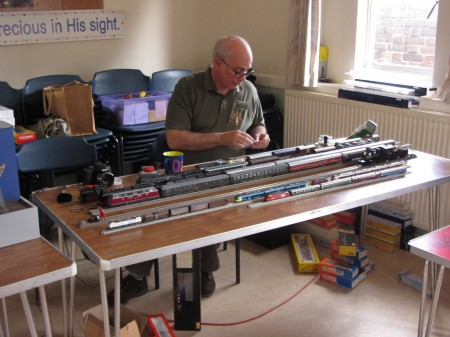 David Pike with his test track having fun #payingtrains